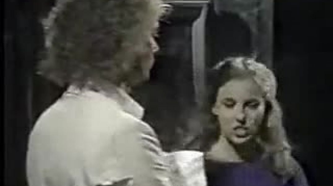 10cc- Run Away -American Version with Luke & Laura from General Hospital