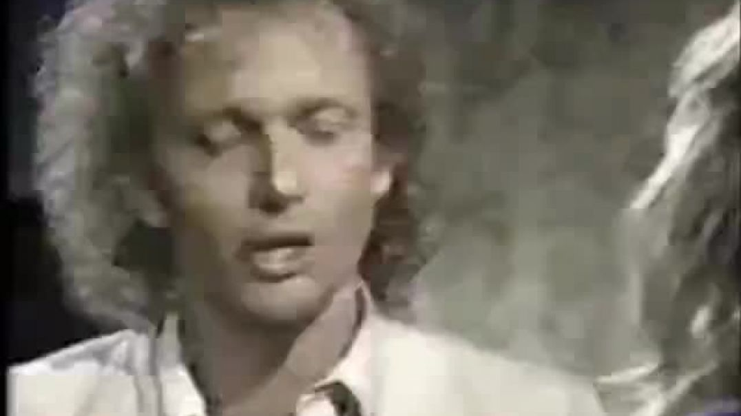 10cc - Run Away - montage music video with Luke & Laura - with end song credits